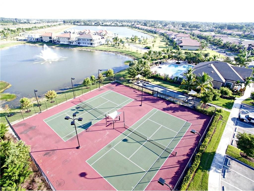 Tennis Courts - Paloma